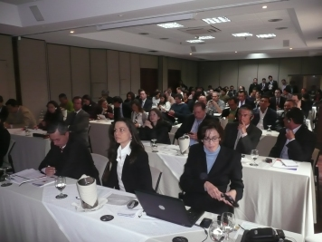 "Spreading information on ""Market Intelligence"" - Seminar in Bogotá on natural ingredients (photo: Profound, 2011)"
