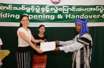 Handover act for the primary school at Kaw La Htoke (South East Myanmar)